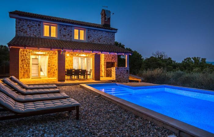 Dovolenka v Chorvátsku - Luxusná vila s bazénom Risika (Krk)